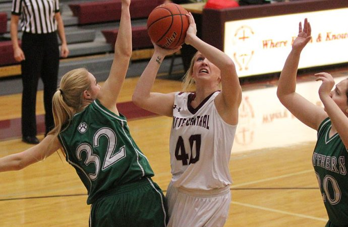 Slow start can't stop Maroons on Senior Night