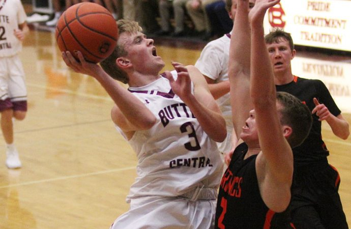 Maroons battle past Broncs in Southwestern A opener