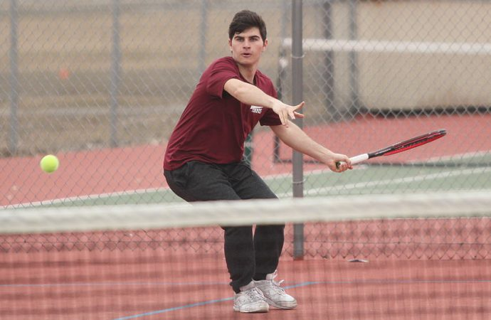 Maroons open tennis season with a pair of wins