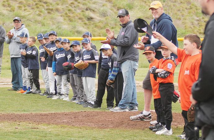 League offers tip of the cap to 'legend' Jim Scown