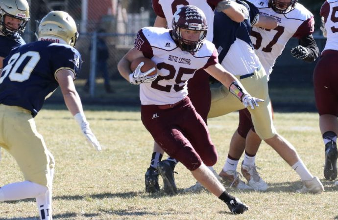 Big-play Beavers burn Maroons in playoff