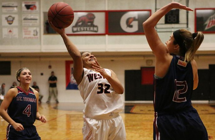 King's 32-point effort leads Bulldogs past Bobcats