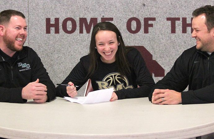 BC's Kloie Thatcher signs with Rocky Mountain
