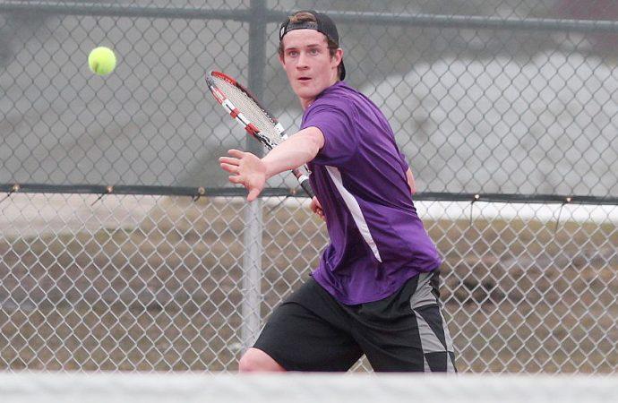 Hawks sweep Bulldogs on Bozeman courts