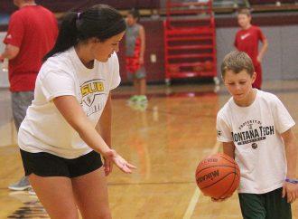Quinn Peoples will host summer hoops academy