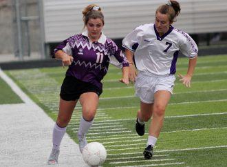 Bulldog girls' soccer team squeezes in scrimmage