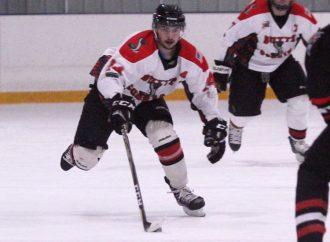 Junior Bruins pull away for 9-2 win over Cobras