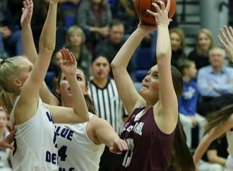 Corvallis girls hold off Central for first place
