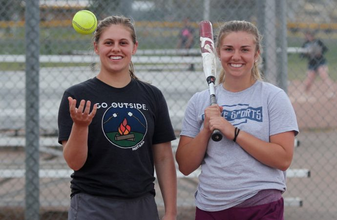Tierney, Huff lead Bulldogs into divisional tournament