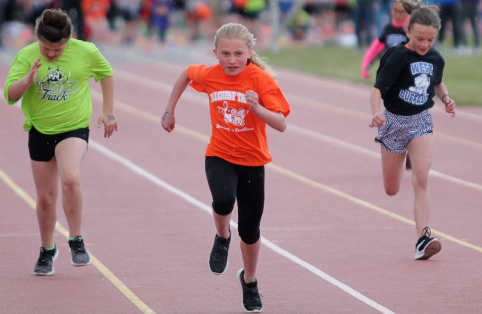 Hillcrest defends title at Grade School Track Meet