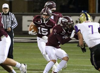 Maroons sink Pirates, move toward playoffs