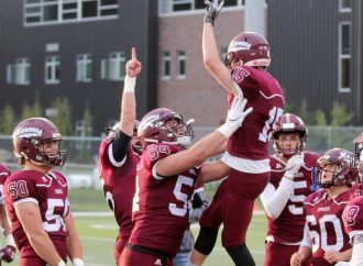 Maroons welcome Pirates, eye playoff berth