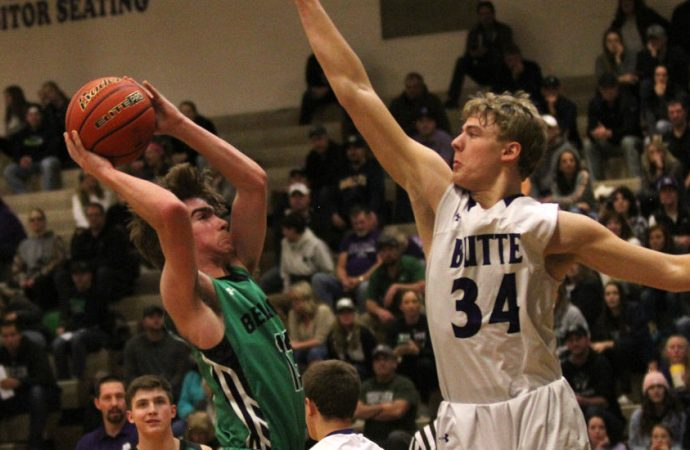 Bulldogs run past Panthers in home opener