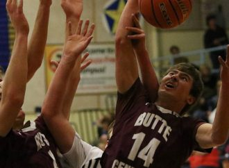 Maroons stop Beavers for eighth straight win