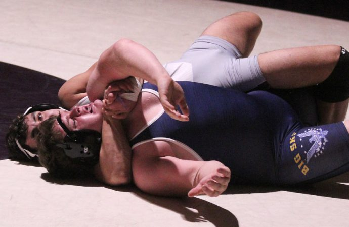 Bulldogs stick Eagles for thrilling dual victory
