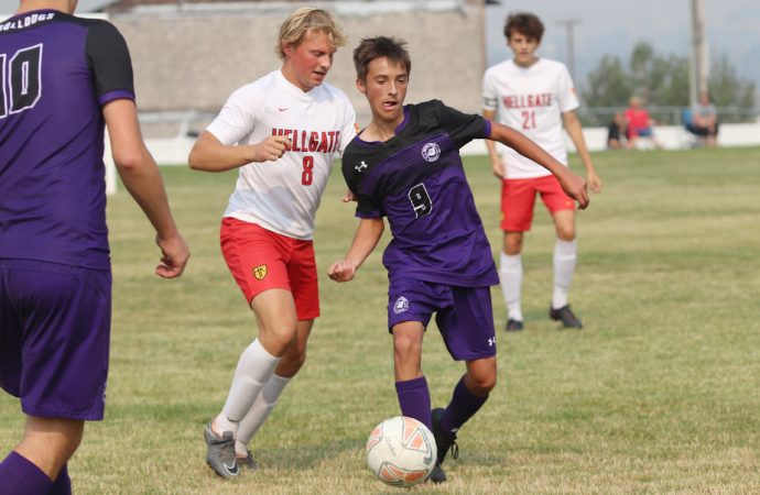 High-powered Hellgate kicks past Bulldogs