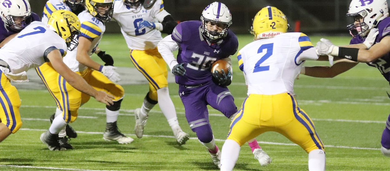 Bulldogs ground Eagles to punch playoff ticket