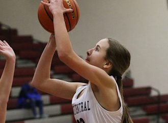 Maroons bedevil Corvallis, roll record to 3-0